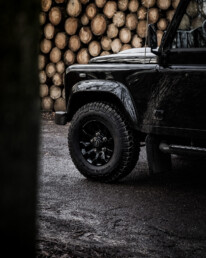 Land Rover Defender 110 Black Design Edition front with rims